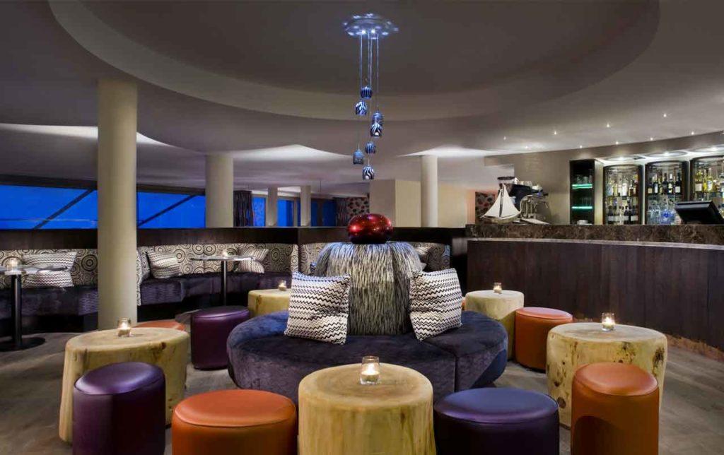 scarlet hotel bar