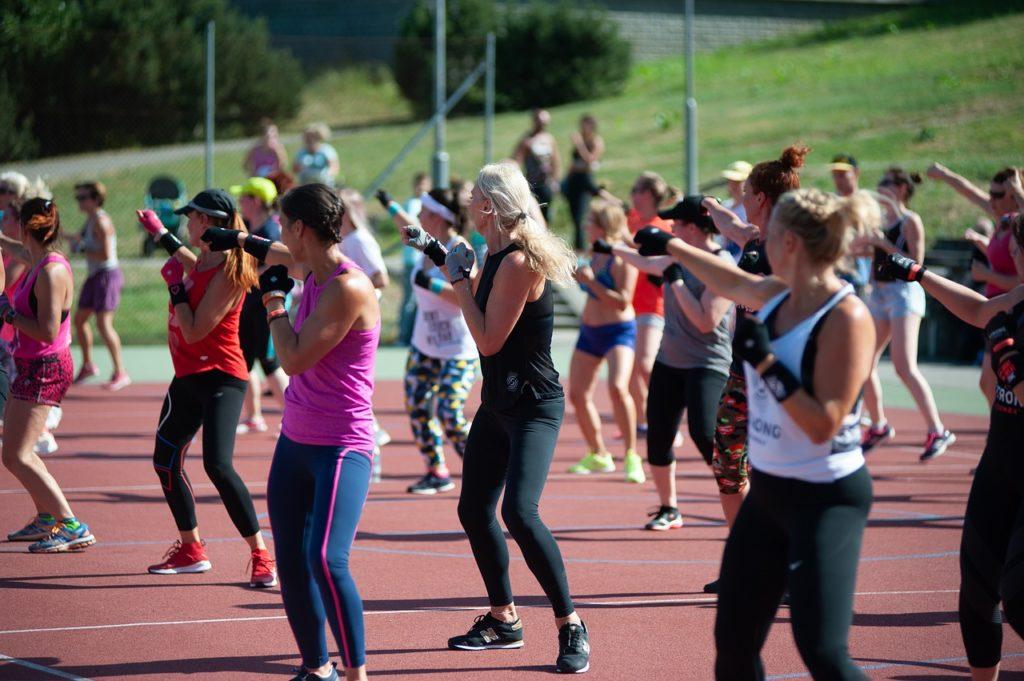 women exercise class