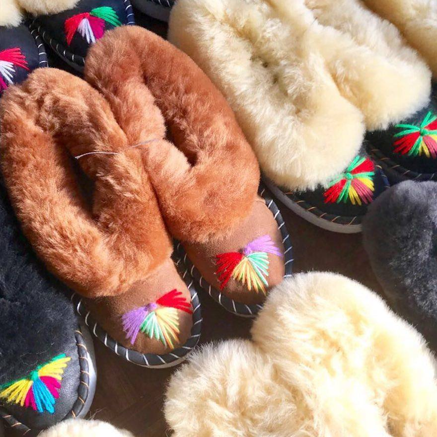 Onaie Sheepskin Slippers