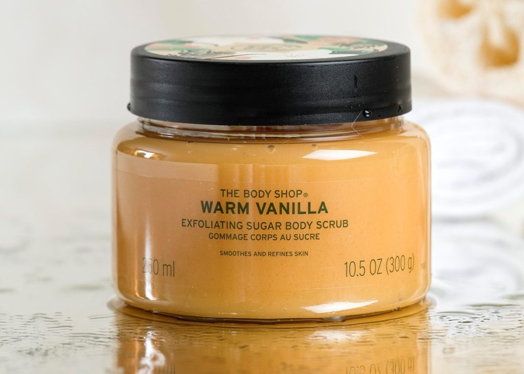 The Body Shop Warm Vanilla Exfoliating Sugar Body Scrub